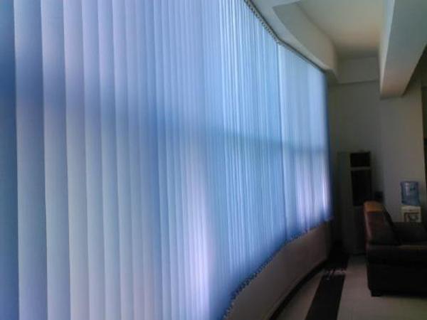办公垂直帘
