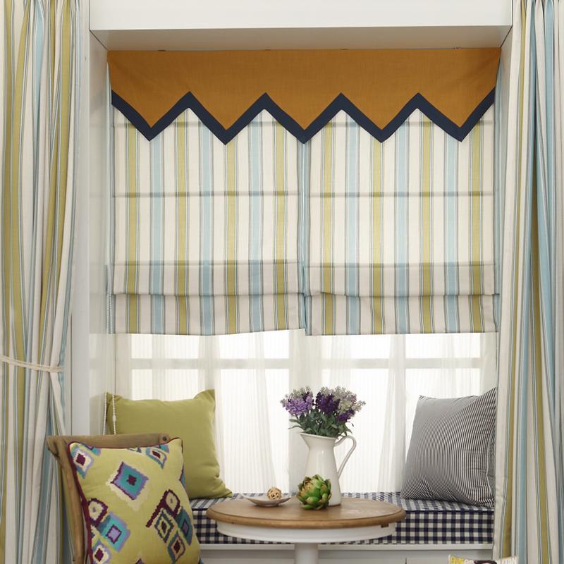 成功的窗帘设计能够弥补窗子大小,位置上的不足.