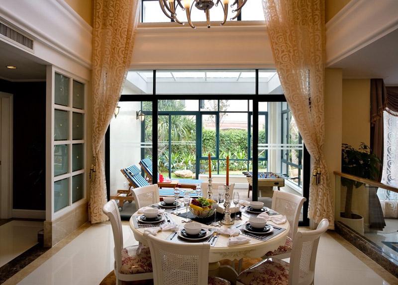 别墅餐厅窗帘方案